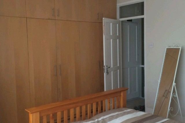 Image of room for rent in house share East Ham E6 sixth photo