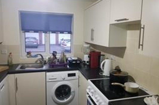 Image of room for rent in house share Thamesmead, London SE28 second photo