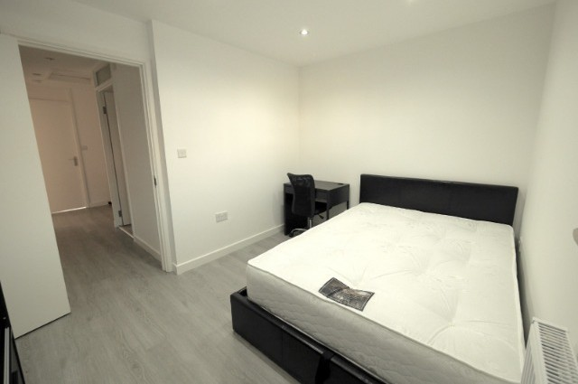 Image of room for rent in house share Plaistow E13 eighth photo