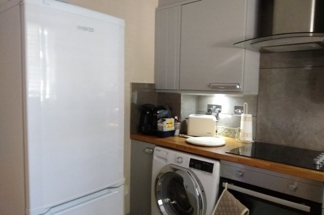 Image of room for rent in flatshare Newbury, Berks. RG14 third photo