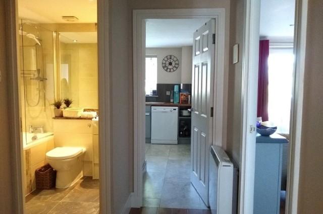 Image of room for rent in flatshare Newbury, Berks. RG14 sixth photo