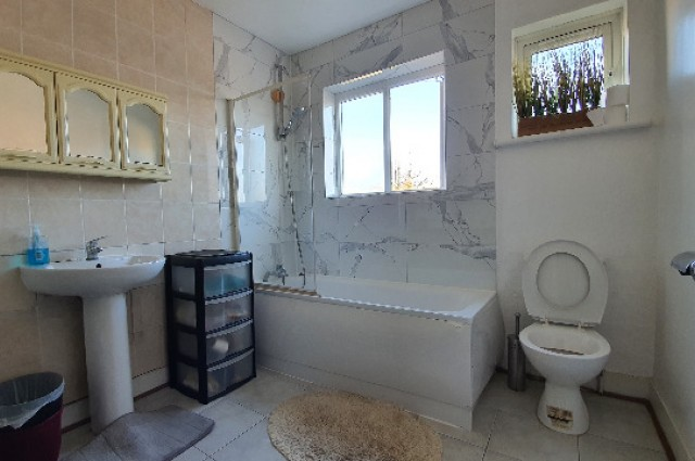 Image of room for rent in house share Wood Green N22 ninth photo