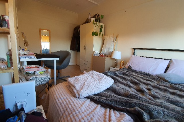 Image of room for rent in house share Wood Green N22 third photo