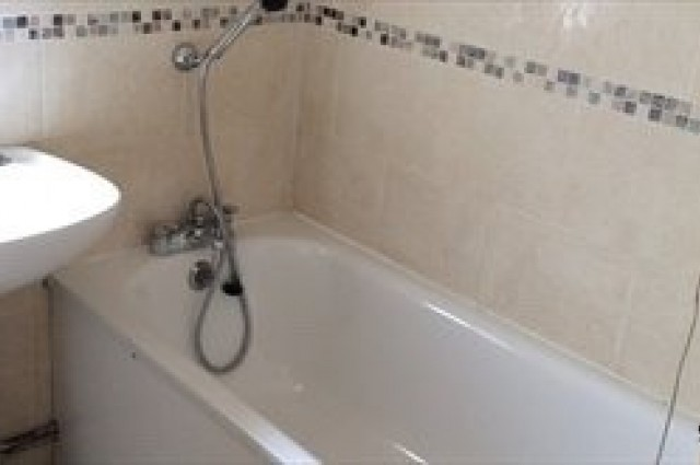 Image of room for rent in house share Southall, London UB2 third photo