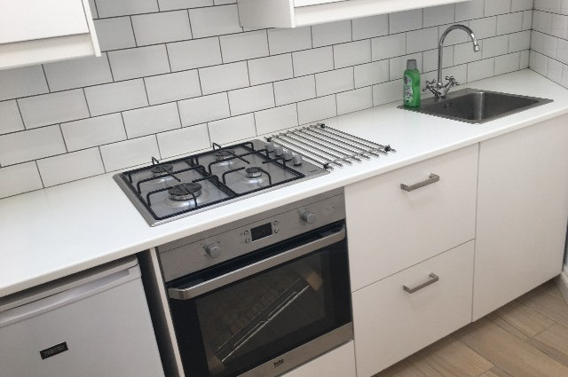 Image of studio for rent in Ham, Richmond TW10 fifth photo