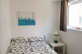 Image of room for rent in flatshare Woodberry Down  London N4
