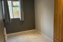 Image of studio for rent in Willesden, London NW10
