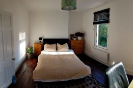 Image of room for rent in house share Greenwich SE7