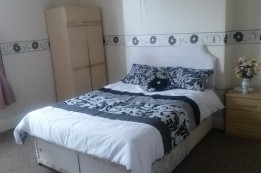 Image of room for rent in house share West Bromwich, West Midlands B70