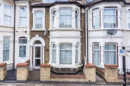 Image of room for rent in house share Forest Gate E7