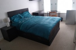 Image of room for rent in flatshare Chingford London E4