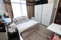 Image of room for rent in house share Colindale, London NW9