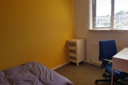 Image of room for rent in house share Thamesmead, London SE28