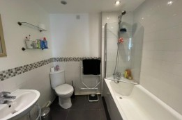 Image of room for rent in flatshare Manchester M3
