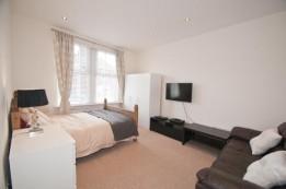 Image of room for rent in flatshare Kingston Upon Thames, London KT1