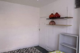 Image of room for rent in house share North Finchley N12