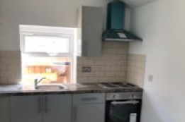 Image of studio for rent in North Finchley, London N12