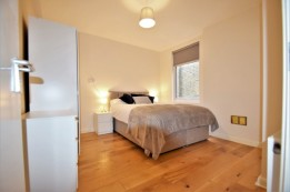 Image of room for rent in house share Raynes Park SW20