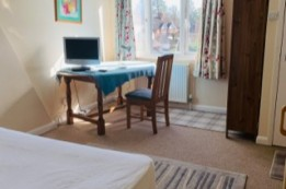 Image of room for rent in house share Cranleigh, Surrey GU6
