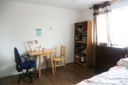 Image of room for rent in house share Northolt, London UB6