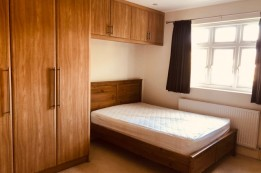 Image of room for rent in house share Kingsbury, London NW9