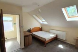 Image of room for rent in house share Willesden, London NW10