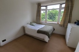Image of room for rent in house share Raynes Park, London SW20
