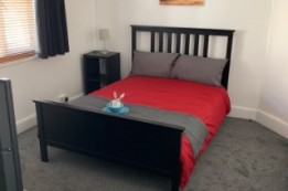 Image of room for rent in flatshare Mitcham, London CR4