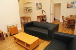 Image of room for rent in flatshare Hanwell, London UB2
