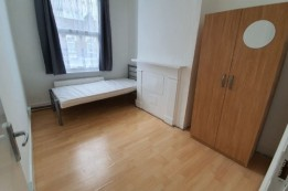 Image of room for rent in house share Tottenham N17