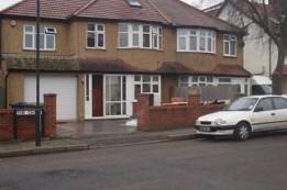 Image of room for rent in flatshare Edgware, London HA8