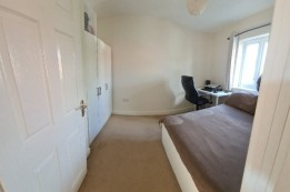Image of room for rent in house share Bedford MK42