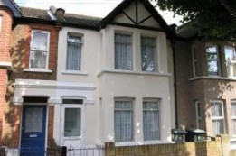 Image of room for rent in house share East Ham E6