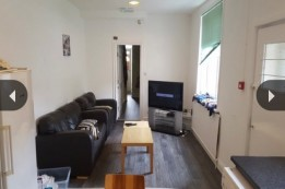 Image of room for rent in flatshare Manchester M14