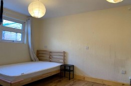 Image of room for rent in house share Canning Town E16